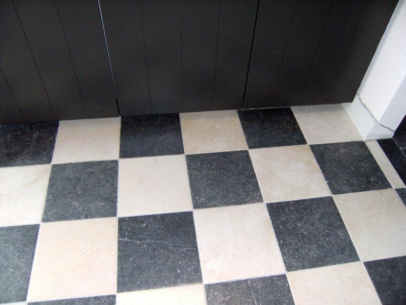 Natuursteen tegels, natuurstenen vloeren, belgisch hardsteen vloer ...
